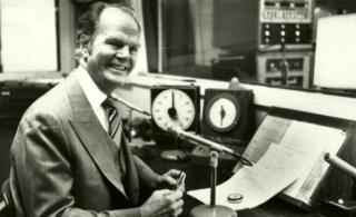 Paul-harvey-radio